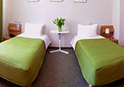 twin-beds-390px.jpg